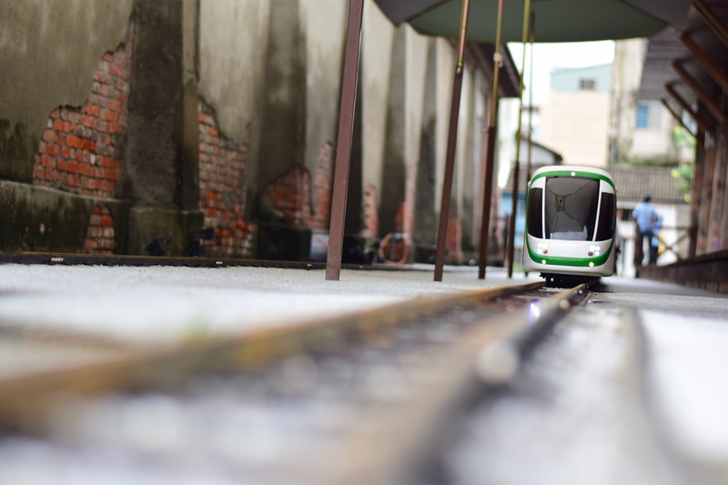 迫りくる鉄道模型